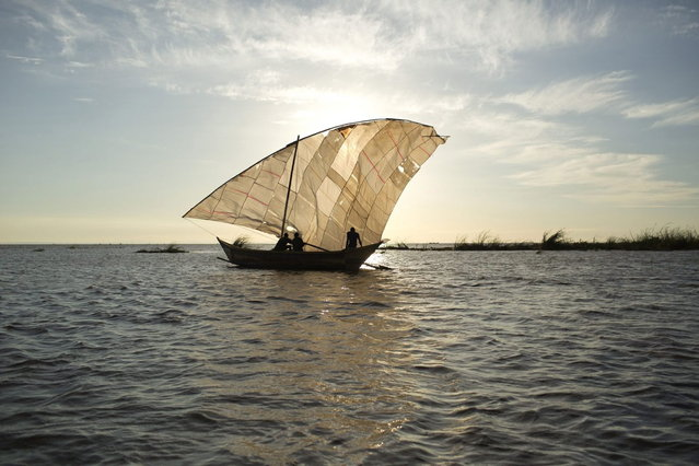 Turkana fisherman sail at the beginning of the day's fishing on Lake Turkana, some kilometres from Todonyang near the Kenya-Ethiopia border in northwestern Kenya October 13, 2013. (Photo by Siegfried Modola/Reuters)