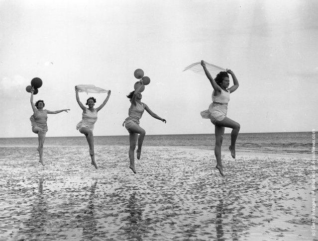 1933:  Dancing school pupils practice en plein air at Worthing in East Sussex