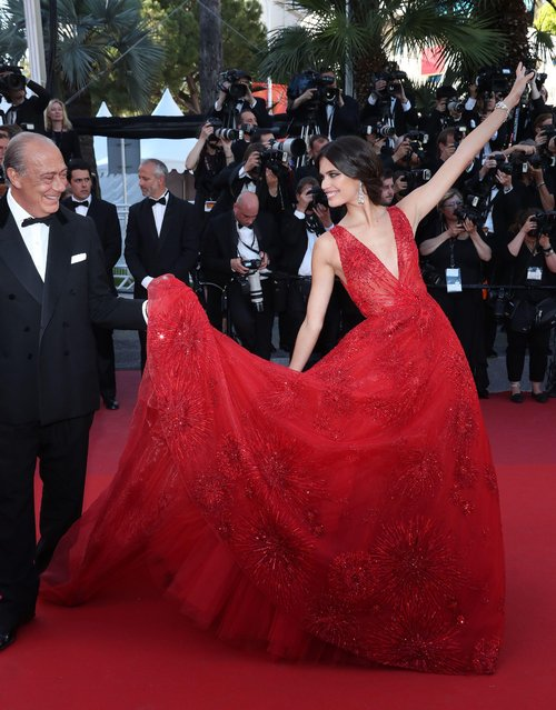 """Fawaz Gruosi and Sara Sampaio attend the """"Ismael's Ghosts (Les Fantomes d'Ismael)"""" screening and Opening Gala during the 70th annual Cannes Film Festival at Palais des Festivals on May 17, 2017 in Cannes, France. (Photo by Matt Baron/Rex Features/Shutterstock)"""