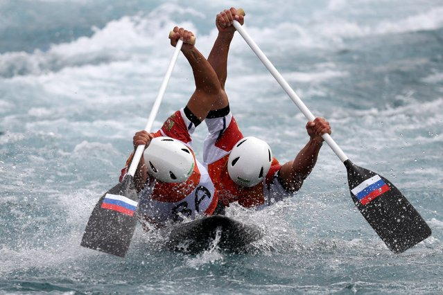 Mikhail Kuznetsov and Dmitry Larionov of Russia compete during the Men's Canoe Double (C2) Final on Day 6 of the Rio 2016 Olympics at Whitewater Stadium on August 11, 2016. (Photo by  Rob Carr/Getty Images)