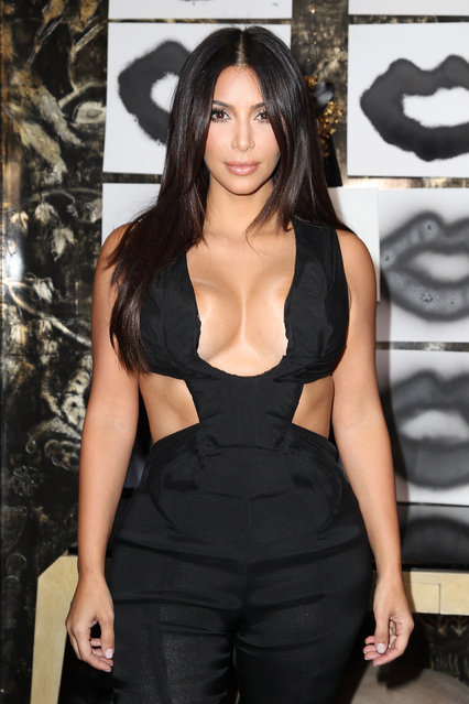 Kim Kardashian attend the Cassandra Huysentruyt Grey Hosts Artist In Residence Donald Robertson Tt VIOLET GREY Melrose Place on August 20, 2014 in Los Angeles, California. (Photo by Jonathan Leibson/Getty Images for VIOLET GREY)