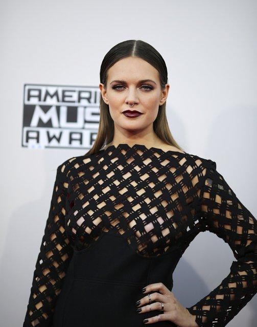 Musician Tove Lo arrives at the 2015 American Music Awards in Los Angeles, California November 22, 2015. (Photo by David McNew/Reuters)