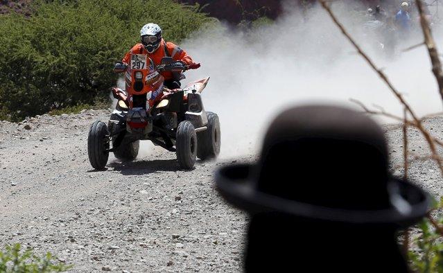 Enrique Umbert Okumura of Peru rides his Yamaha quad during the fifth stage Jujuy-Uyuni in the Dakar Rally 2016 near Uyuni, Bolivia, January 7, 2016. (Photo by Marcos Brindicci/Reuters)