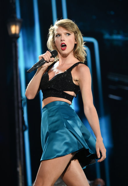 "Singer Taylor Swift performs during her ""1989"" world tour at MetLife Stadium in East Rutherford, N.J., on Friday, July 10, 2015. (Photo by Evan Agostini/Invision/AP Photo)"