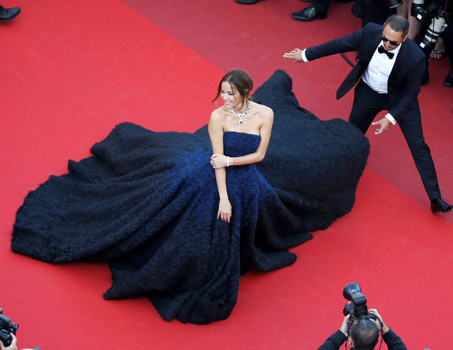 "Model Carolina Parsons poses on the red carpet as she arrives for the screening of the film ""Julieta"" in competition at the 69th Cannes Film Festival in Cannes, France, May 17, 2016. (Photo by Eric Gaillard/Reuters)"