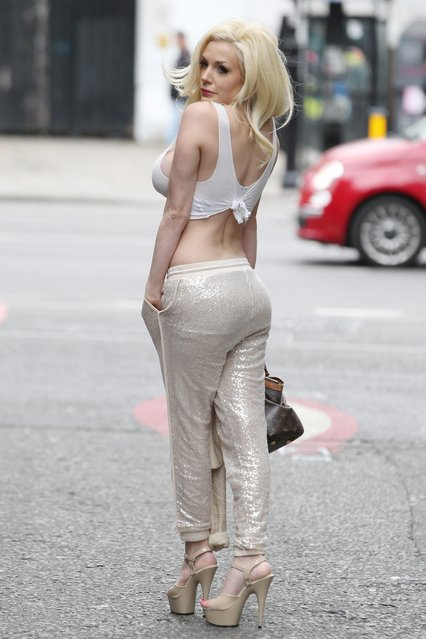 "Courtney Stodden filming for ""Celebs Go Dating"" TV show in London, England on July 24, 2017. (Photo by Beretta/Sims/Rex Features/Shutterstock)"
