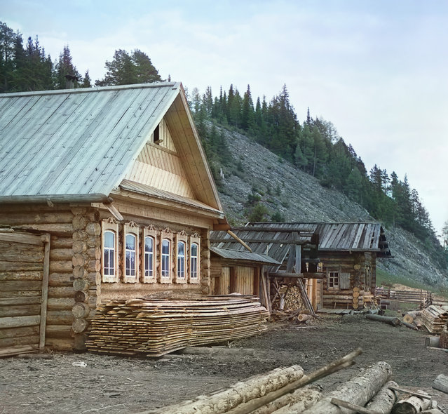 Photos by Sergey Prokudin-Gorsky. Peasant hut in the village of Martianova (Chusovaia River). Russia, Perm Province, Kungur uyezd (district), Martianovo village, 1912