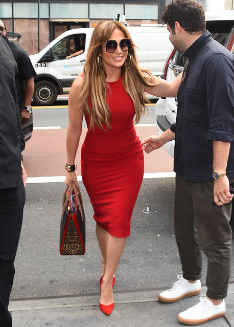 Singer/Actress Jennifer Lopez is seen walking in Midtown on September 26, 2017 in New York City. (Photo by Raymond Hall/GC Images)