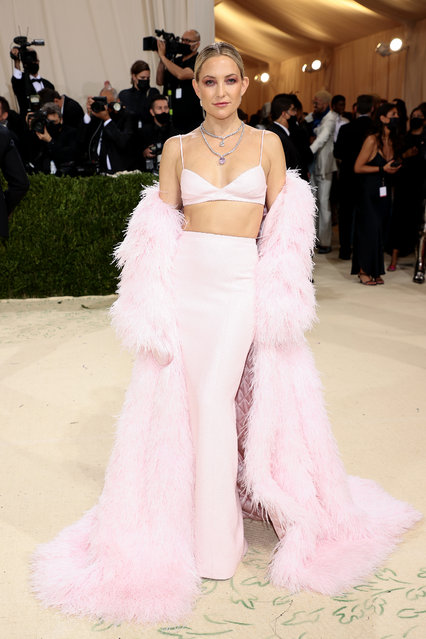 American actress Kate Hudson attends The 2021 Met Gala Celebrating In America: A Lexicon Of Fashion at Metropolitan Museum of Art on September 13, 2021 in New York City. (Photo by Dimitrios Kambouris/Getty Images for The Met Museum/Vogue)