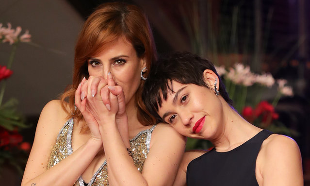 """(L-R) Natalia de Molina and Greta Fernandez attend the """"Elisa Y Marcela"""" (Elisa und Marcela) premiere during the 69th Berlinale International Film Festival Berlin at Berlinale Palace on February 13, 2019 in Berlin, Germany. (Photo by Andreas Rentz/Getty Images for Netflix)"""
