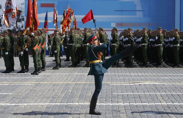 Russian servicemen take part in the Victory Day parade at Red Square in Moscow, Russia, May 9, 2015. (Photo by Grigory Dukor/Reuters)
