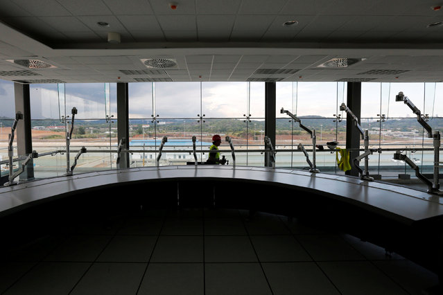 Inside of the control tower is pictured at the Panama Canal expansion project on the Pacific side of the Panama Canal during an organized media tour by Italy's Salini Impregilo, one of the main sub contractors of the Panama Canal Expansion project, in Panama City May 11, 2016. (Photo by Carlos Jasso/Reuters)