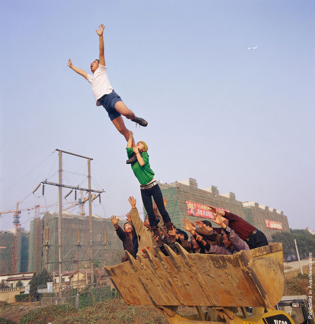 On the surface of the earth Li Wei