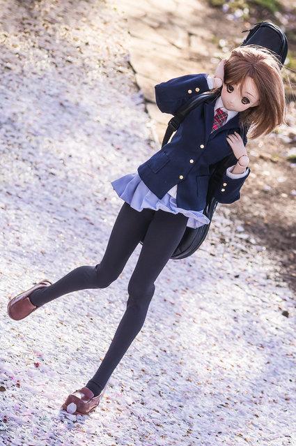 Stepin' steps. Model: DollfieDream Yui Hirasawa