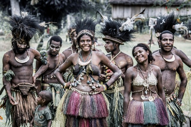 Stunning images capture the tribes of Papua New Guinea during a gathering of clans. (Photo by Trevor Cole/Media Drum World)
