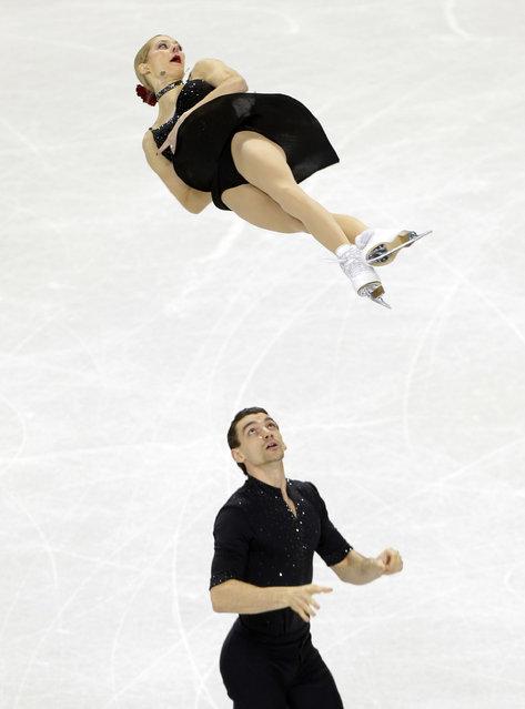 Alexa Scimeca and Christopher Knierim skate during the pairs short program at the U.S. Figure Skating Championships in Greensboro, N.C., Thursday, January 22, 2015. (Photo by Chuck Burton/AP Photo)
