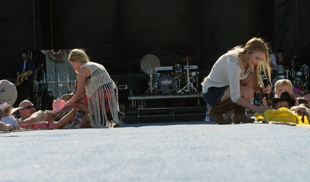 Singer/Songwriter Maddie (right) & Tae (left) perform at Country Thunder USA – Day 2, April 10, 2015 in Florence, Arizona. (Photo by Rick Diamond/Getty Images for Country Thunder USA)