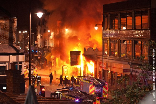 Rioting in Tottenham