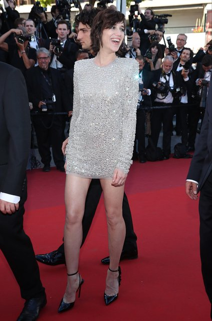 """Charlotte Gainsbourg attends the """"Ismael's Ghosts (Les Fantomes d'Ismael)"""" screening and Opening Gala during the 70th annual Cannes Film Festival at Palais des Festivals on May 17, 2017 in Cannes, France. (Photo by Matt Baron/Rex Features/Shutterstock)"""