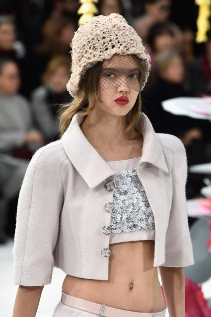 Model Lindsey Wixson walks the runway during the Chanel show as part of Paris Fashion Week Haute Couture Spring/Summer 2015 on January 27, 2015 in Paris, France. (Photo by Pascal Le Segretain/Getty Images)