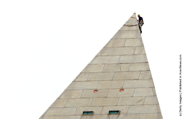 Washington Monument Inspected Again For Damage From The August Earthquake