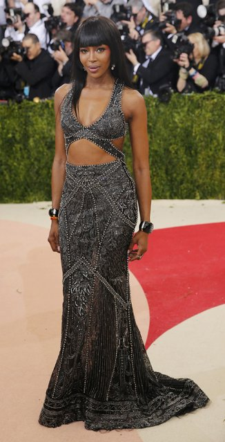 """Model Naomi Campbell arrives at the Metropolitan Museum of Art Costume Institute Gala (Met Gala) to celebrate the opening of """"Manus x Machina: Fashion in an Age of Technology"""" in the Manhattan borough of New York, May 2, 2016. (Photo by Eduardo Munoz/Reuters)"""