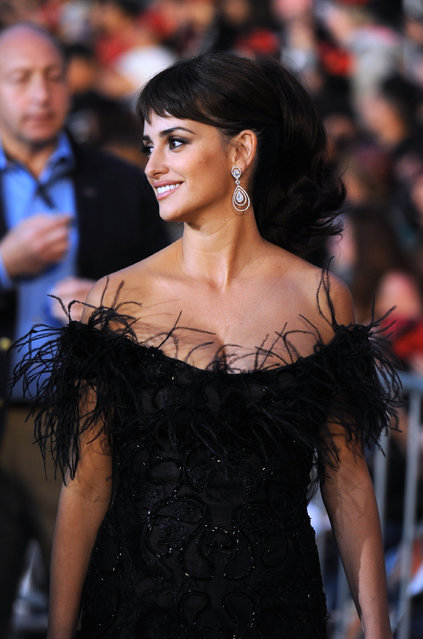 """Actress Penelope Cruz arrives at premiere of Walt Disney Pictures' """"Pirates of the Caribbean: On Stranger Tides"""" held at Disneyland on May 7, 2011 in Anaheim, California. (Photo by Frazer Harrison/Getty Images)"""