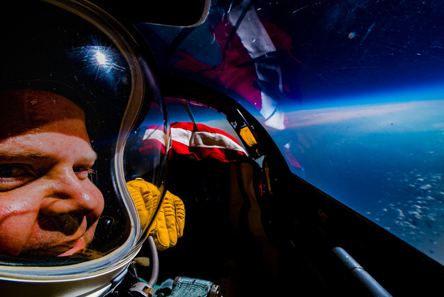 The USAF pilot shots an amazing selfie flying of his U-2 Dragon Lady plane. The scenes unfolded while he was flying over Canada in late February 2018, though, given his profession, the pilot couldn't provide too specific locations or dates. The spy plane was travelling at around 500 mph at an altitude of around 70,000 feet (21,3 Km). (Photo by Extreme Ross Photography/Caters News Agency)