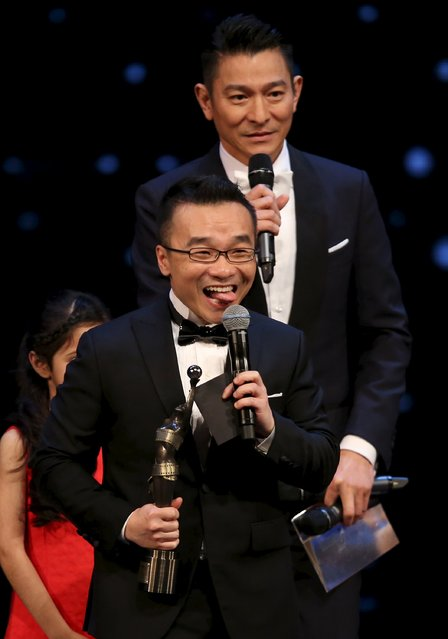 "U.S.-based Hong Kong director Raman Hui celebrates after winning the Best New Director award for movie ""Monster Hunt"" at the Hong Kong Film Awards in Hong Kong, China April 3, 2016. (Photo by Reuters/Stringer)"