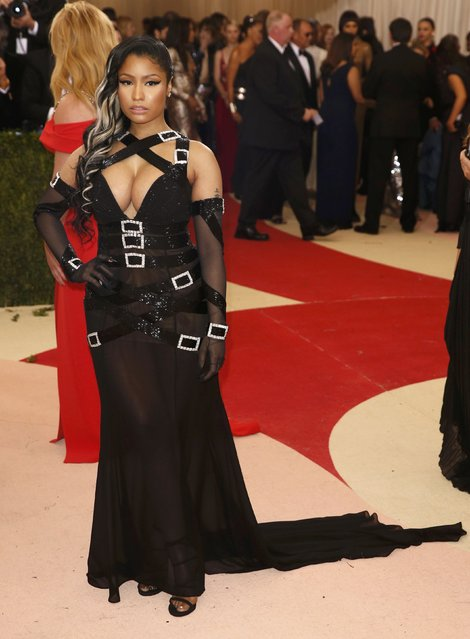 """Rapper Nicki Minaj arrives at the Metropolitan Museum of Art Costume Institute Gala (Met Gala) to celebrate the opening of """"Manus x Machina: Fashion in an Age of Technology"""" in the Manhattan borough of New York, May 2, 2016. (Photo by Lucas Jackson/Reuters)"""