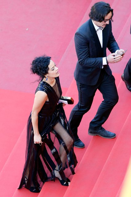 "Actress Maeve Jinkings (L) arrives for the ""Aquarius"" premiere at the Palais des Festivals during the 69th Annual Cannes Film Festival on May 17, 2016 in Cannes, France. (Photo by Pool/Getty Images)"