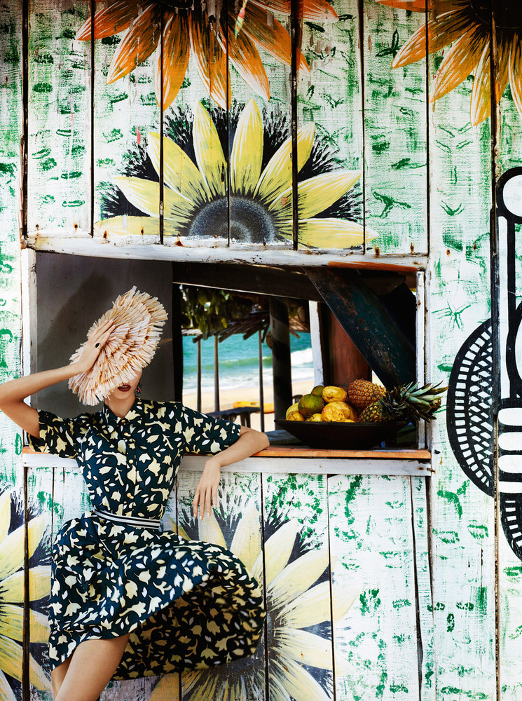 Karlie Kloss Heads to Brazil for Vogue US July 2012, Lensed by Mario Testino