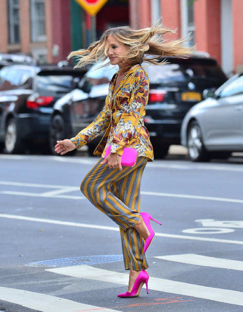 Actress Sarah Jessica Parker twirls around in Intimissimi as she does a photoshoot in New York, NY on August 23, 2018. (Photo by Splash News and Pictures)