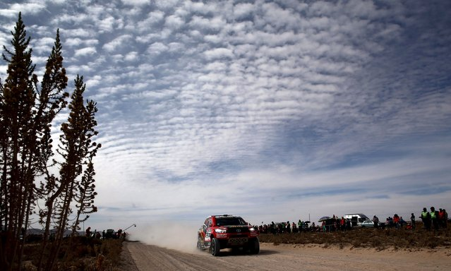 Giniel De Villiers of South Africa drives his Toyota during the sixth stage in the Dakar Rally 2016 in Uyuni, Bolivia, January 8, 2016. (Photo by Marcos Brindicci/Reuters)