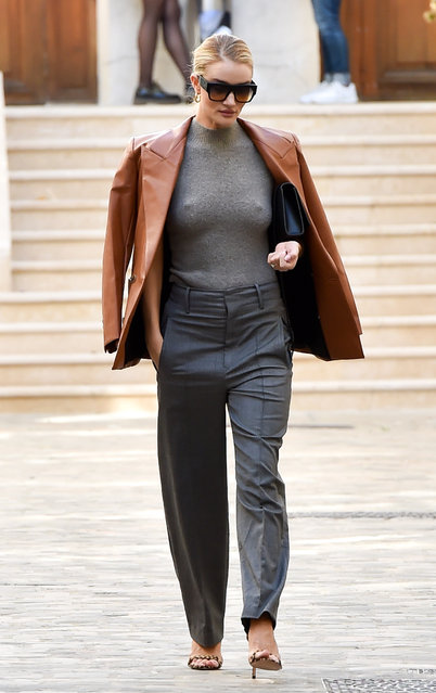 Rosie Huntington-Whiteley is seen at Vivienne Westwood fitting offices in Paris, France on September 26, 2018. (Photo by Neil Warner/Splash News and Pictures)