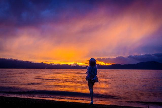 """""""Burning Lake"""". Location: Inawashiroko lake, Japan. (Photo and caption by AZURE)"""