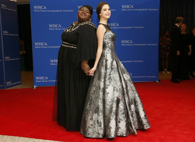 Actresses Gabourey Sidibe (L) and Bailee Madison arrive for the annual White House Correspondents' Association dinner in Washington April 25, 2015. (Photo by Jonathan Ernst/Reuters)