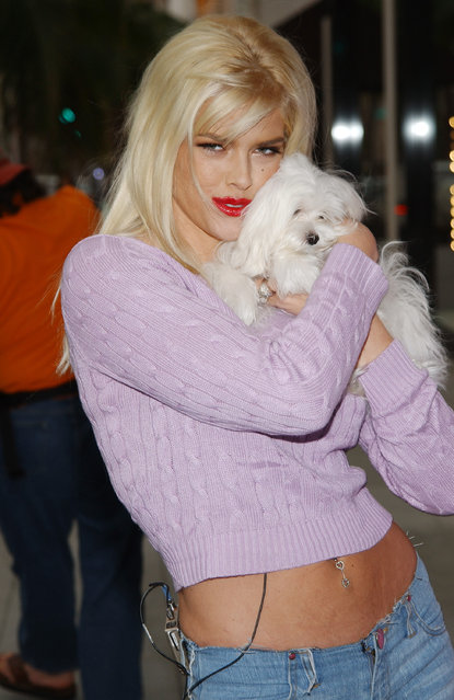 "Anna Nicole Smith during Anna Nicole Smith Unveils ""Gentlemen Prefer Fur-Free Blondes"" PETA Ad at Rodeo Drive in Los Angeles, California, United States. (Photo by Jon Kopaloff/FilmMagic)"