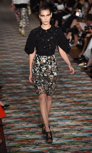 Bella Hadid walks the runway during the Christian Dior Spring Summer 2017 Cruise collection at Blenheim Palace on May 31, 2016 in Woodstock, England. (Photo by Stuart C. Wilson/Getty Images)