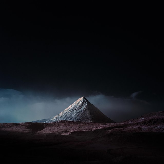 "Location: Baula Mountain. ""Most of the images presented themselves immediately, though an image like Kirkjufell took around three days before I could see the mountain from the fog"". (Photo by Andy Lee/Caters News)"