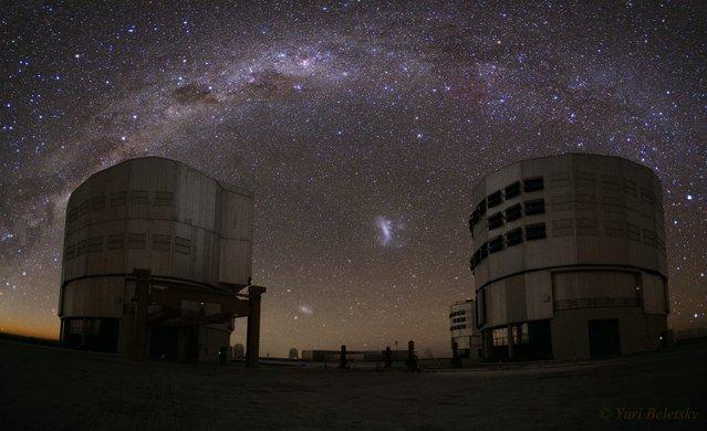 The Milky Way above the telescopes