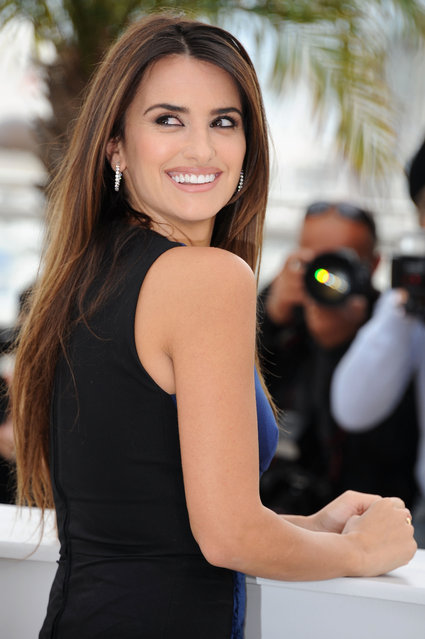 """Actress Penelope Cruz attends the """"Pirates of the Caribbean: On Stranger Tides"""" photocall at the Palais des Festivals during the 64th Cannes Film Festival on May 14, 2011 in Cannes, France. (Photo by Francois Durand/Getty Images)"""