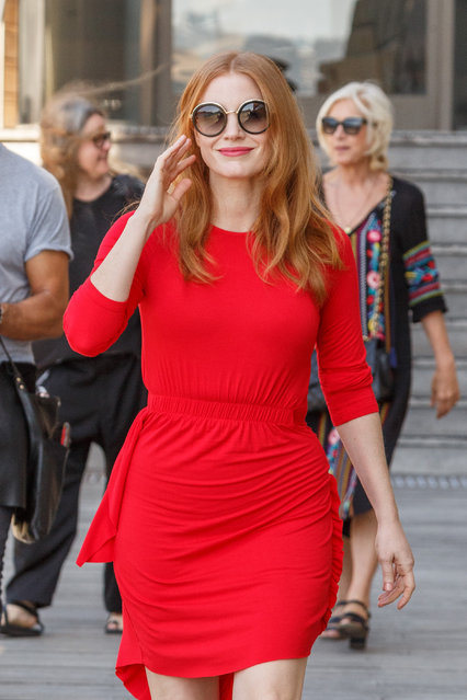 Jessica Chastain leaves Hotel and Walks along Sydney Harbour Foreshore to Photo-Call in front of Sydney Opera House on January 29, 2018. (Photo by Splash News and Pictures)
