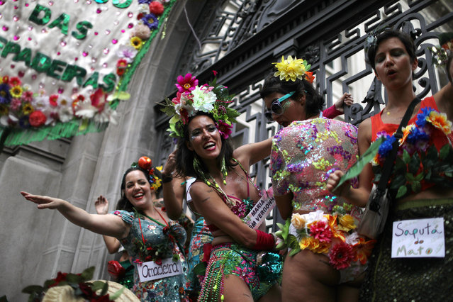 """Revellers take part in the annual block party known as """"Cordao do Boitata"""", during carnival festivities in Rio de Janeiro, Brazil February 4, 2018. (Photo by Pilar Olivares/Reuters)"""