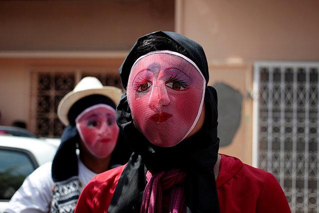 Masked men take part in festivities in honour of patron saint San Jeronimo in Masaya city, Nicaragua November 20, 2016. (Photo by Oswaldo Rivas/Reuters)