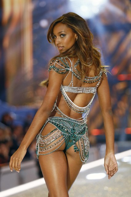 Model Jasmine Tookes displays a $3 million Fantasy Bra during the Victoria's Secret Fashion Show inside the Grand Palais, in Paris, Wednesday, November 30, 2016. The pulse-quickening, celebrity-filled catwalk event of the year: the Victoria's Secret fashion show takes place in Paris with performances from Lady Gaga and Bruno Mars. (Photo by Francois Mori/AP Photo)