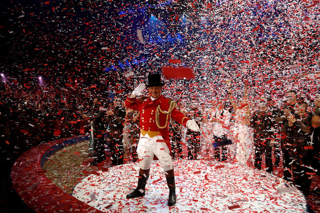 """Ringmaster """"Petit Gougou"""" performs during the gala of the 41st Monte-Carlo International Circus Festival in Monaco January 25, 2017. (Photo by Eric Gaillard/Reuters)"""