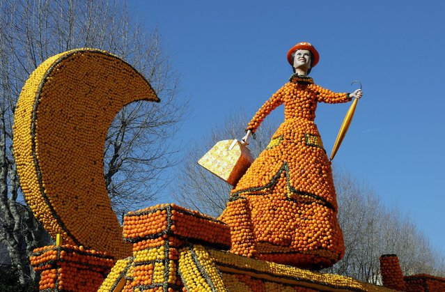 """A sculpture made with lemons and oranges which depicts the musical comedy """"Mary Poppins"""" is seen during the 84th Lemon festival around the theme """"Broadway"""" in Menton, France, February 15, 2017. (Photo by Eric Gaillard/Reuters)"""