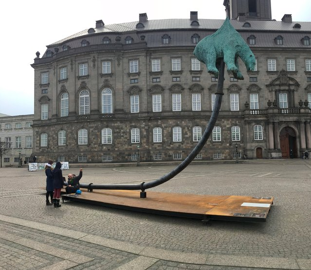"""Sculpture is """"Unbearable"""" are seen at front of Christiansborg Palace, seat of the Danish Parliament, in Copenhagen, Denmark, April 15, 2016. (Photo by Nikolaj Skydsgaard/Reuters)"""