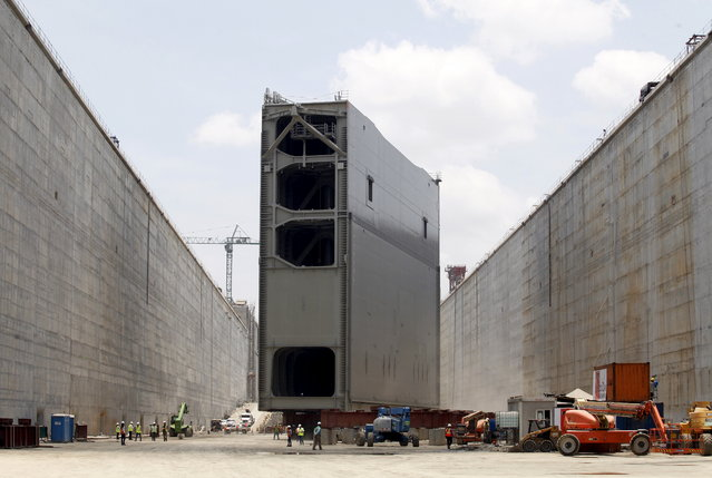 Steel rolling gate, part of the last set of locks on the Pacific side, is seen before being installed as part of the Panama Canal Expansion Project in Panama City April 28, 2015. (Photo by Rafael Ibarra/Reuters)